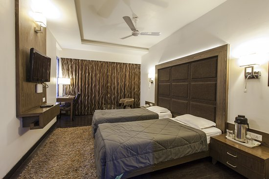 Oyo 901 Hotel Host Inn Updated 2018 Prices Reviews Ahmedabad India Tripadvisor