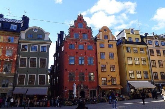 old town stockholm - WanderingJustin.com