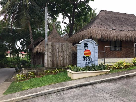 Friday's Boracay: the main gate from the street