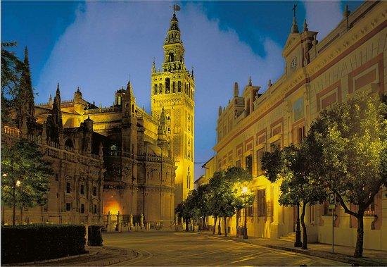 Antonio Doblas Guia Turistico Oficial de Sevilla