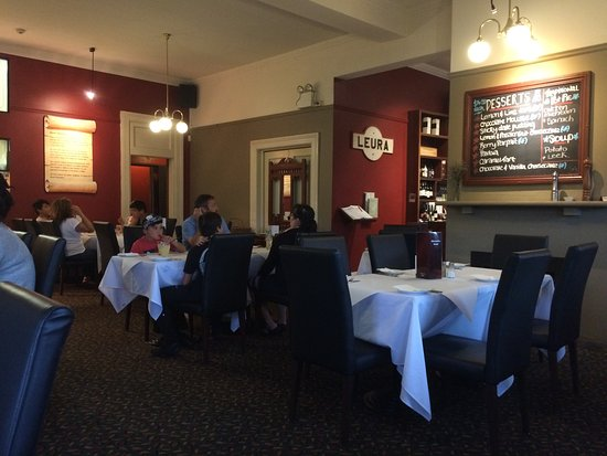 Alexandra Hotel: The dining room