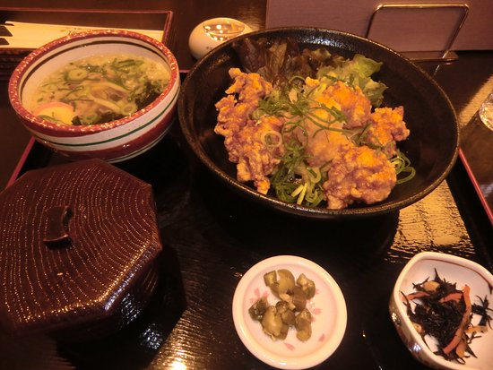 Kadoma, Japan: 日替わりランチ(唐揚げ)