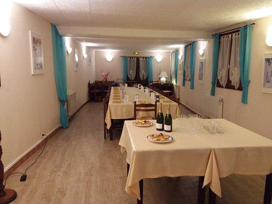 Matignon, ฝรั่งเศส: Salle pour repas de groupes  (40 couverts)