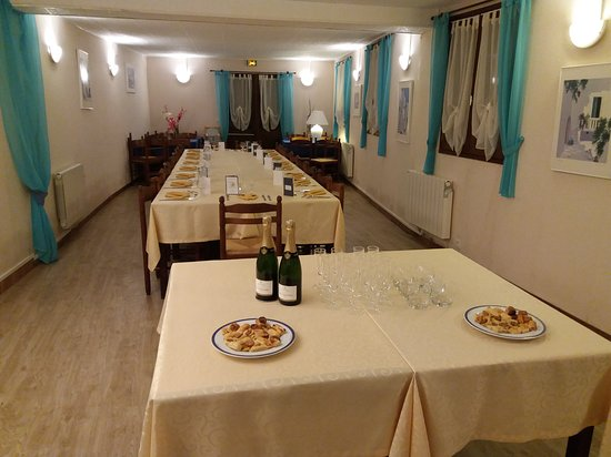Matignon, Франция: Salle pour repas de groupes  (40 couverts)