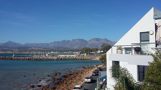Gordon's Bay, South Africa: Bikini Beach und Hafen