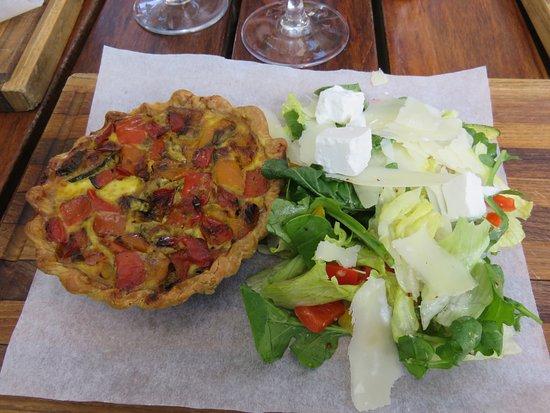 La Belle Bistro & Bakery: vegetable quiche