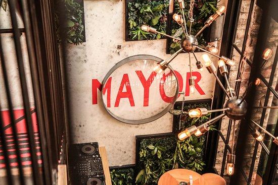 Dbayeh, Líbano: Mayor wall