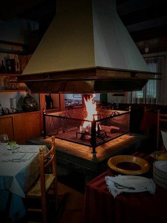 Il Camino acceso. - Picture of La Cucina da Bastian, Maser ...