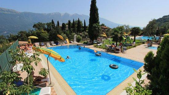 Hotel bazzanega village bewertungen fotos for Preisvergleich swimmingpool