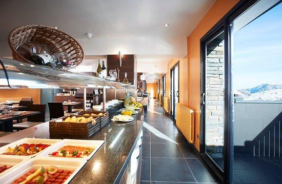 Desayuno-buffet en el Hotel Arka 4*