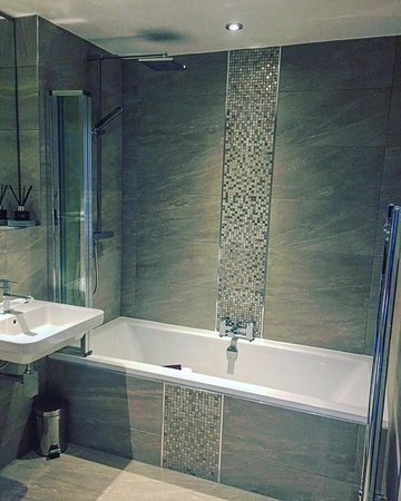 Charnock Richard, UK: Unwind with our brand new bathrooms.