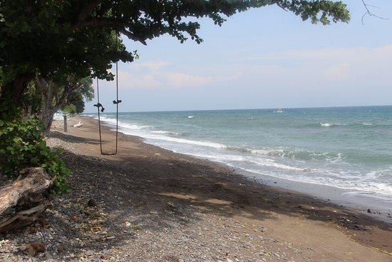 Santai Hotel Bali: Plage juste devant l'hôtel