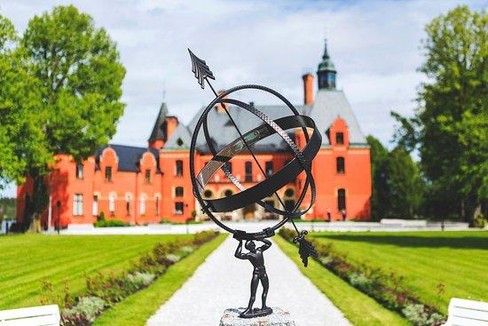 Bro, Suecia: Slottet
