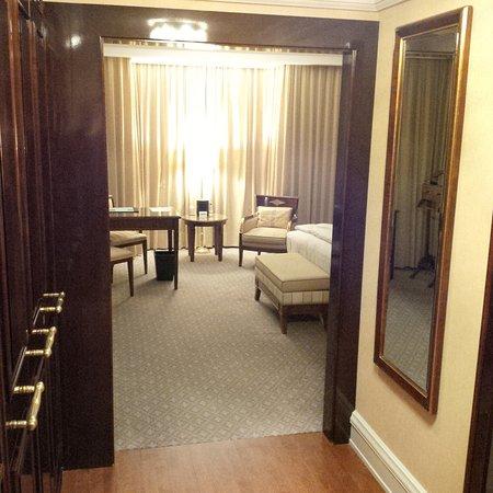 The Ritz-Carlton, Berlin: Corridor of room 611