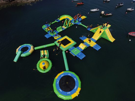 Dunmore East, Irlanda: Wibit Wipeout Aquapark