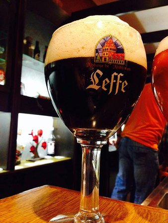 Black Bar n Burger: Leffe brown for draft