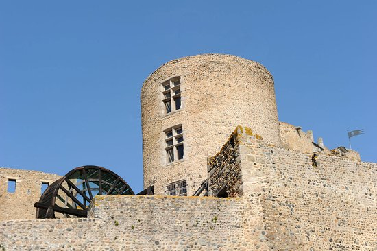 Château de Montrond les Bains
