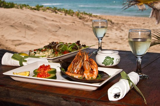 Bay View Lodge: Lunch on The Green Turtle's deck