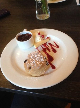 Cafe Hub: quality scone