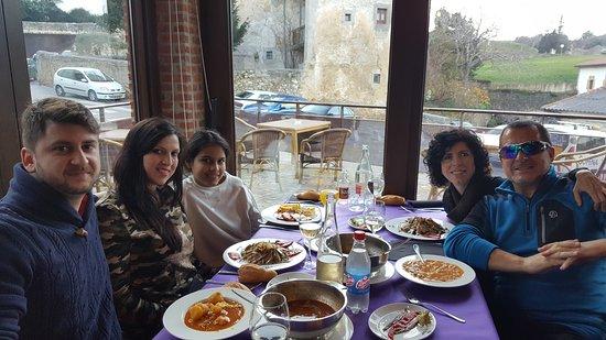 Arnuero, España: Celebración Cumpleaños en Familia ... Restaurante La Chata .