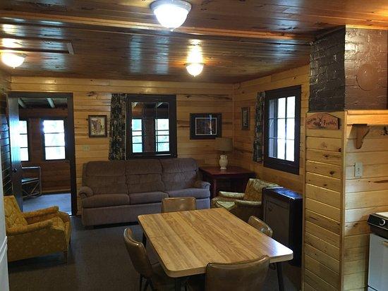 Max, MN : Pine Grove Lodge