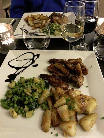 L'Ardoise : Lamb and potatoes. Confit de canard and potatoes