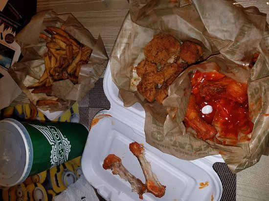 Daly City, CA: Wingstop