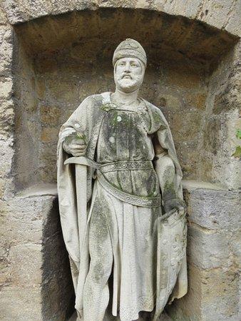 Pattensen b. Hannover, Deutschland: Marienburg Castle - knight statue
