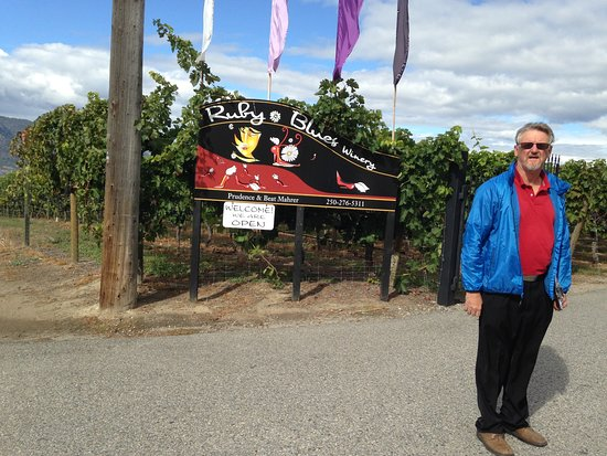 Penticton, Canada: Driver Len, a veritable fount of local information