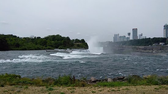 Niagara Falls State Park: View from the park