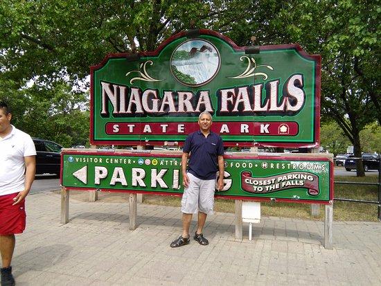 Entry to Niagara Falls State Park