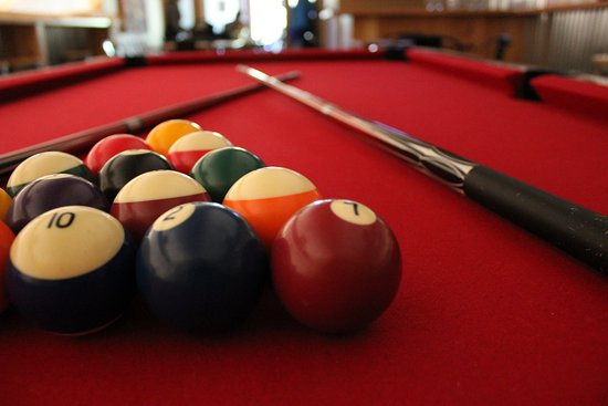 Kenwood, CA: Enjoy a game of billiards in our upstairs loft.