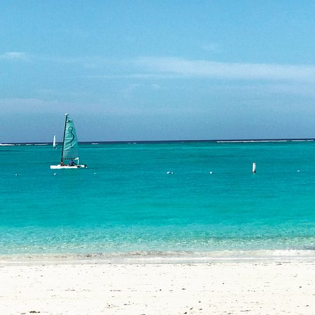 The Somerset on Grace Bay: view of beach with Somerset Catamaran