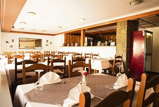 Haag, Schweiz: Ansicht des hinteren Speisesaals, der sich auch für beliebig grosse Gruppen eignet.