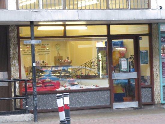 Kinghorn, UK: shop front and entrance