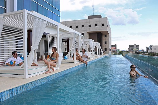 Infinity edge pool Picture of Blu Pool Bar Santo Domingo