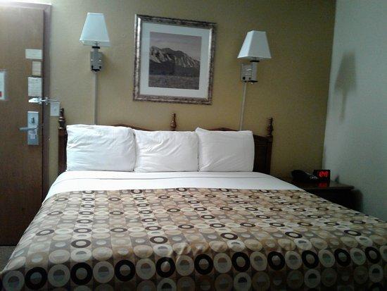 Red Carpet Inn Image