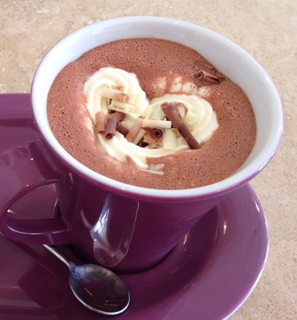 Lavenham, UK: Delicious Hot Chocolate made with Pump Street Bakery's Chocolate!
