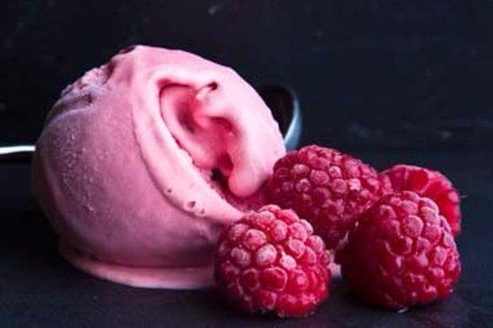 Lavenham, UK: Fabulous Award Winning Handmade by Hadley's Ice Cream!