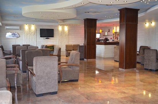 Shepherd Plaza Hotel: Sketch Lounge