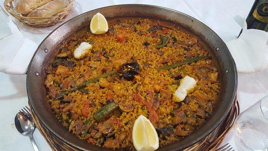Puig, Spanien: El Arroz de verduras y bacalao! Espectacular!