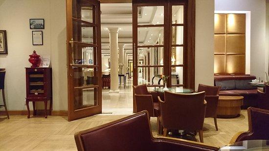 Curium Palace Hotel: DSC_0112_large.jpg