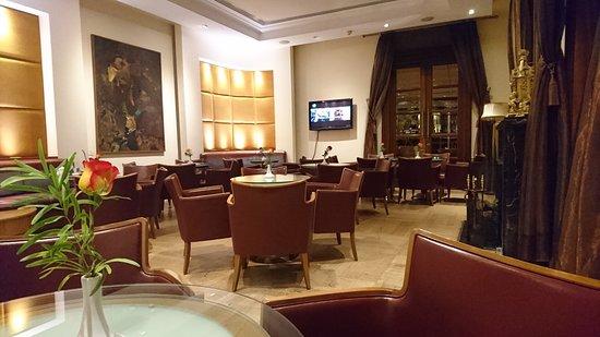 Curium Palace Hotel: DSC_0111_large.jpg
