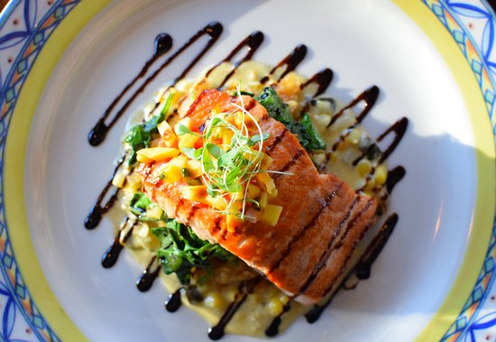 Cafe Ena: Salmon (lunch menu) monfongo de yucca, spinach, roasted corn poblano cream sauce, pineapple sals