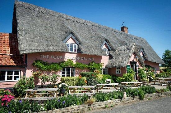 Thornham Magna, UK: The Thornham Four Horse Shoes village pub