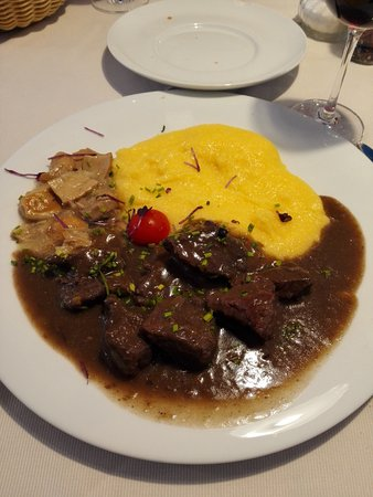 Hotel Pragser Wildsee: polenta con carne di cervo e funghi!!!!