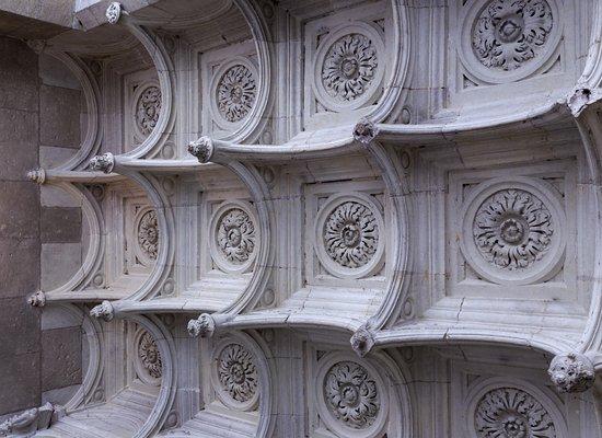 Azay-le-Rideau, Francia: Ceiling detail Azzay le rideau