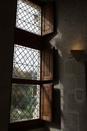 Azay-le-Rideau, France: Diamond paned glass