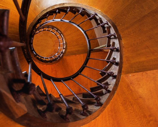 Azay-le-Rideau, France: Wooden Spiral staircase