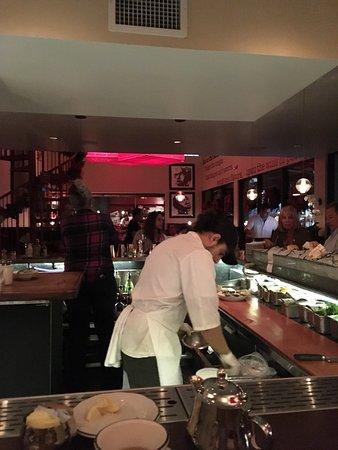 Michael's Genuine Food & Drink: Bar